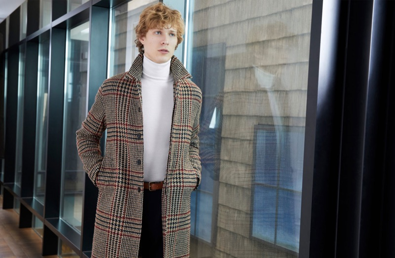 Donning a check coat, Sven de Vries appears in Valstar's fall-winter 2018 campaign.