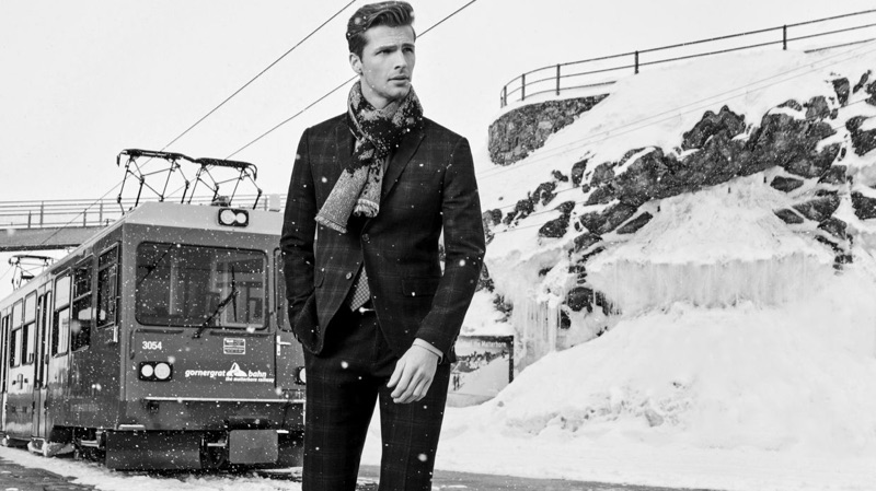 Donning a sharp tailored number, Edward Wilding appears in Autason's fall-winter 2018 campaign.