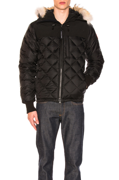 Canada Goose Pritchard Coat With Coyote Fur Trim in Black. - size M (also in )