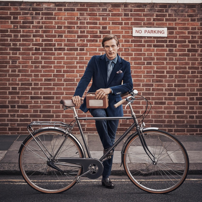 Hackett London taps model Jules Raynal to front its fall-winter 2018 campaign.