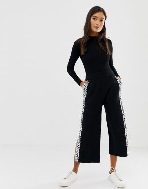 Amy Lynn wide leg cropped pants with lace panel - Black