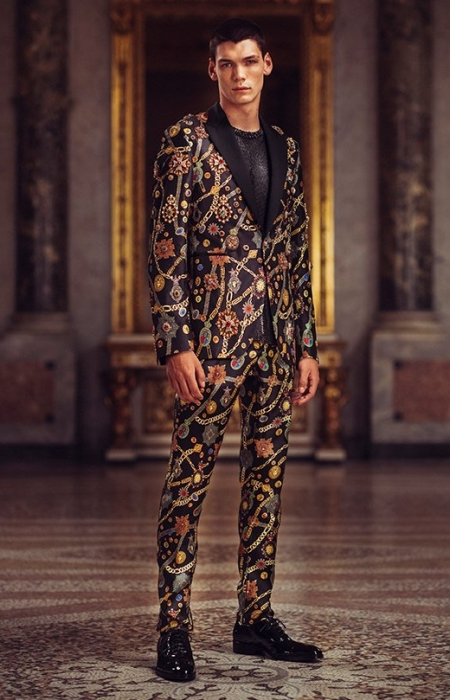 Versace Atelier Goes Glam for Spring '19 Collection