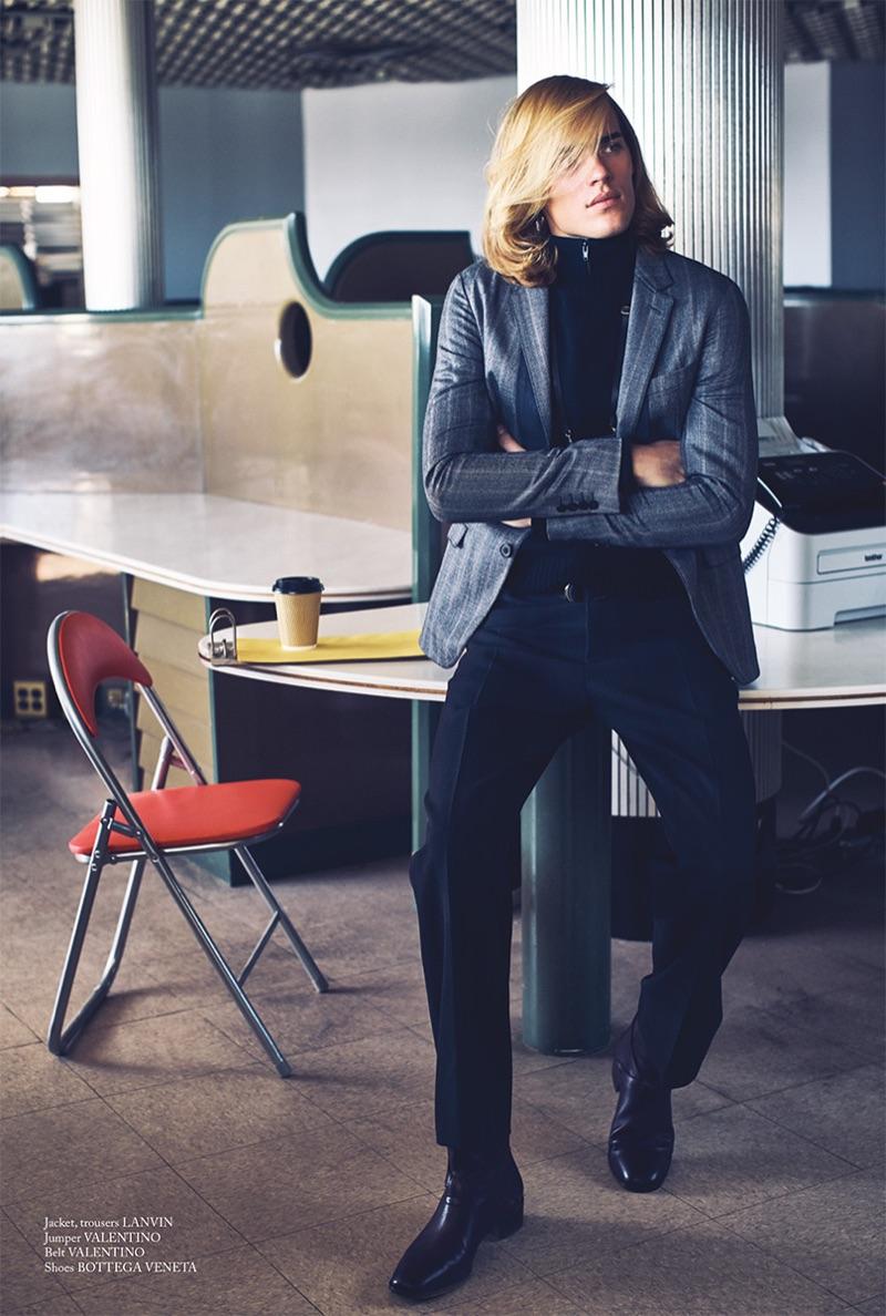 Ton Heukels Models 80s-Inspired Style for Glass Men