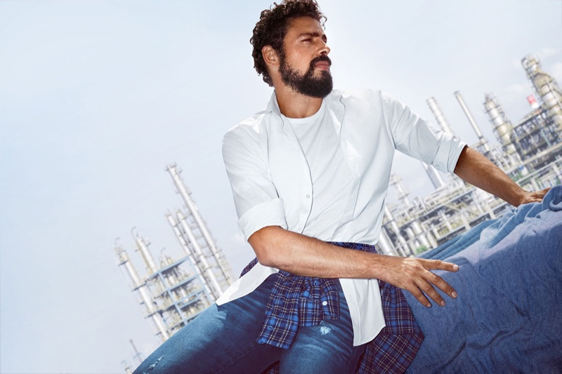 Actor Cauã Reymond appears in Colcci's fall-winter 2019 denim campaign.