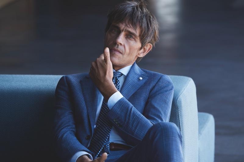 A sharp vision, Didier Vinson sports a slim-fit suit from Luigi Bianchi Mantova.