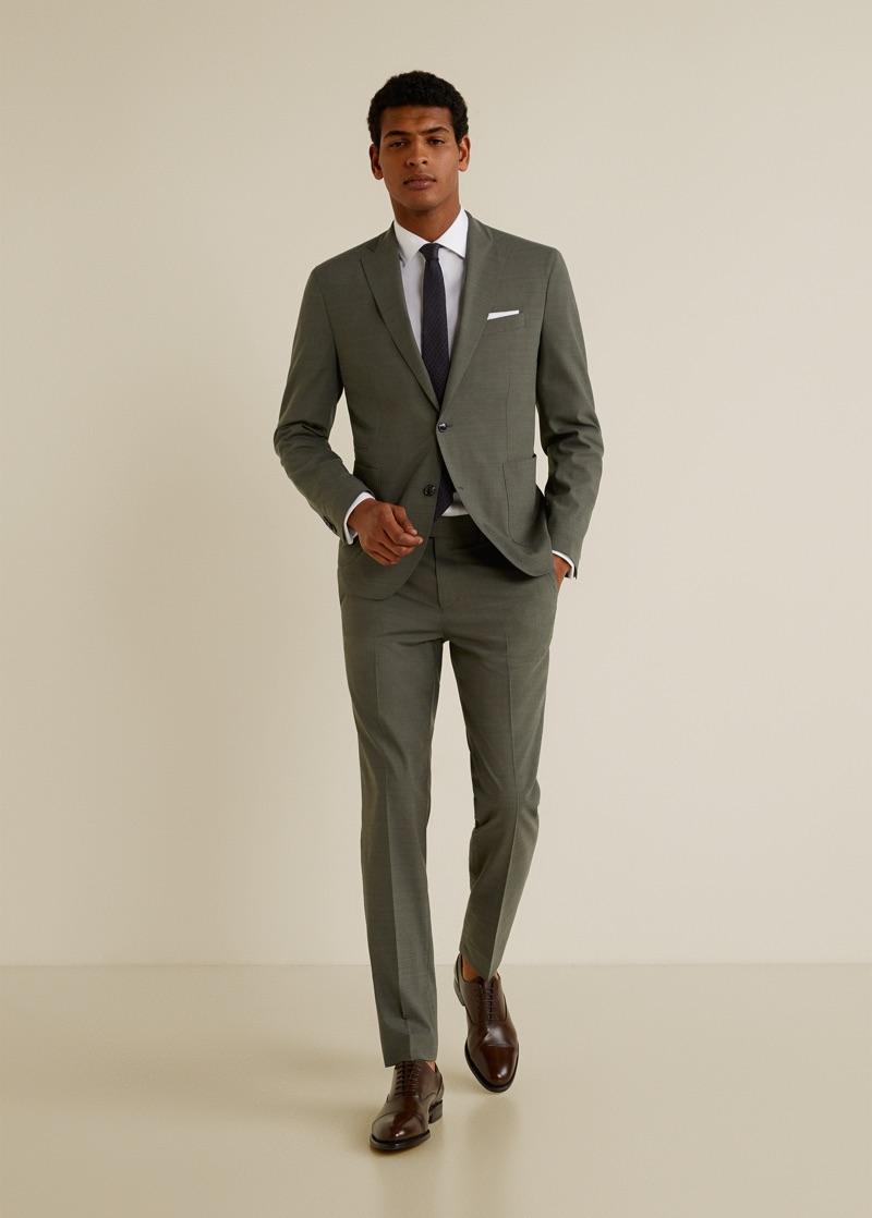 Model Tidiou M'Baye wears Mango's washable suit.