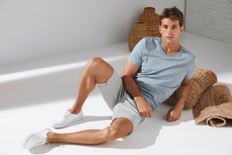 Ben Bowers embraces casual style in Mavi essentials.