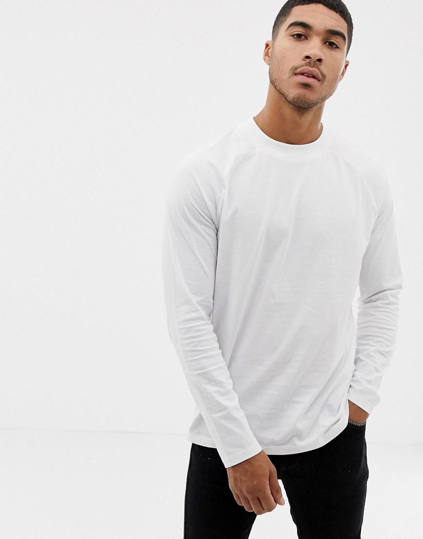 04df5f92 ASOS DESIGN relaxed long sleeve raglan t-shirt with high neck in white –  White