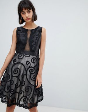 Amy Lynn Prom Dress With Brocade Detail - Black