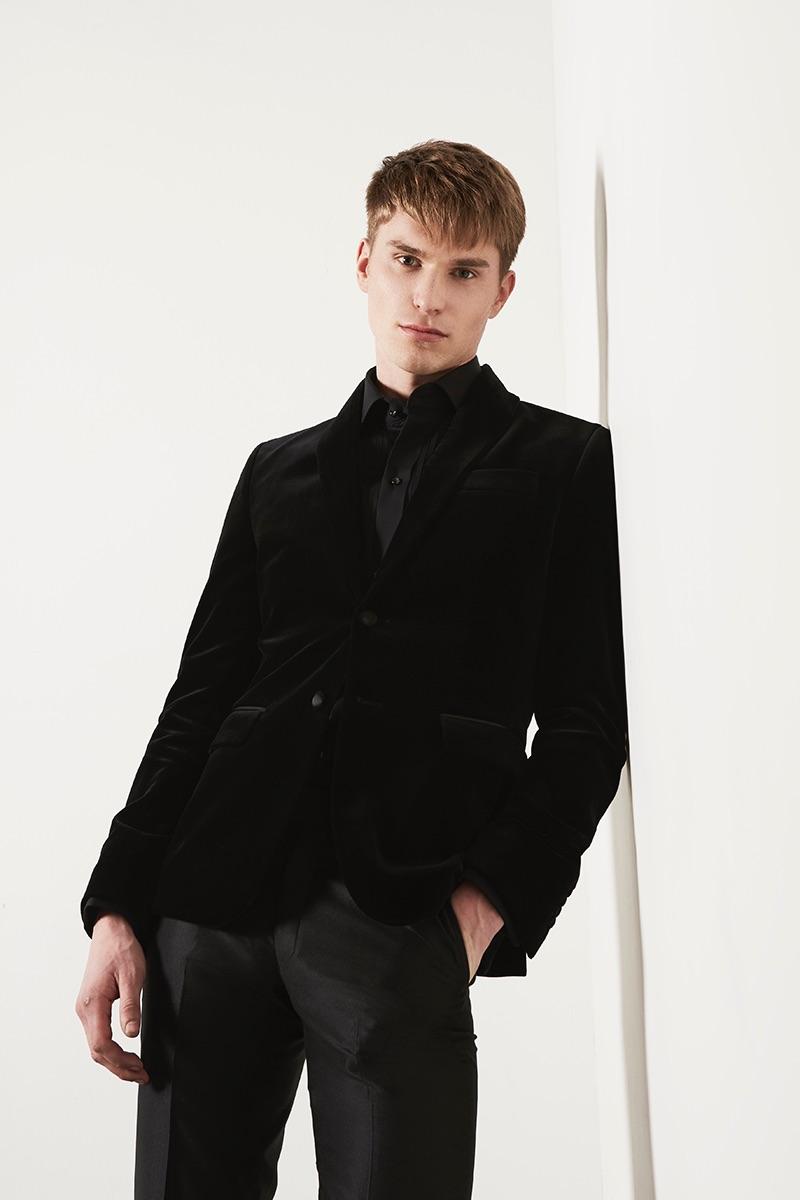 Philipp dons dark evening attire from DARKOH.