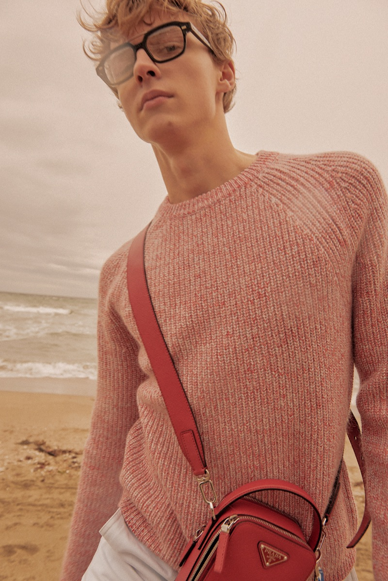 Max Barczak Takes to the Beach in Smart Style for L'Officiel Hommes Turkey