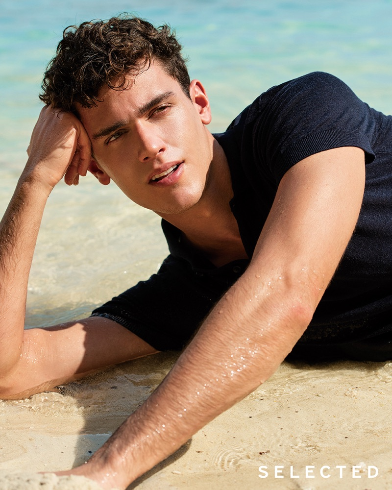 Selected taps Xavier Serrano as the star of its summer 2019 campaign.