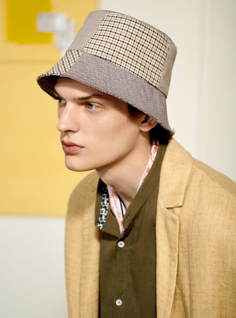 Valentin Caron embraces neutrals and linen for Zara Man.