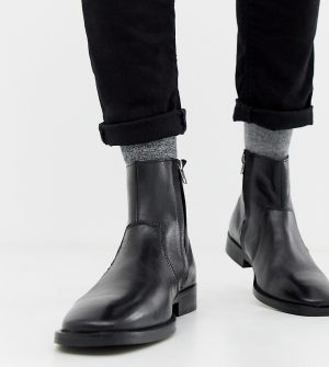 ASOS DESIGN boots in black leather with chunky sole and square toe - Black