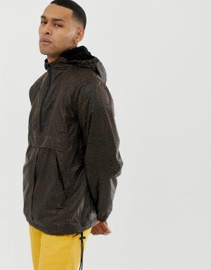 ASOS DESIGN fleece lined windbreaker in leopard print - Brown