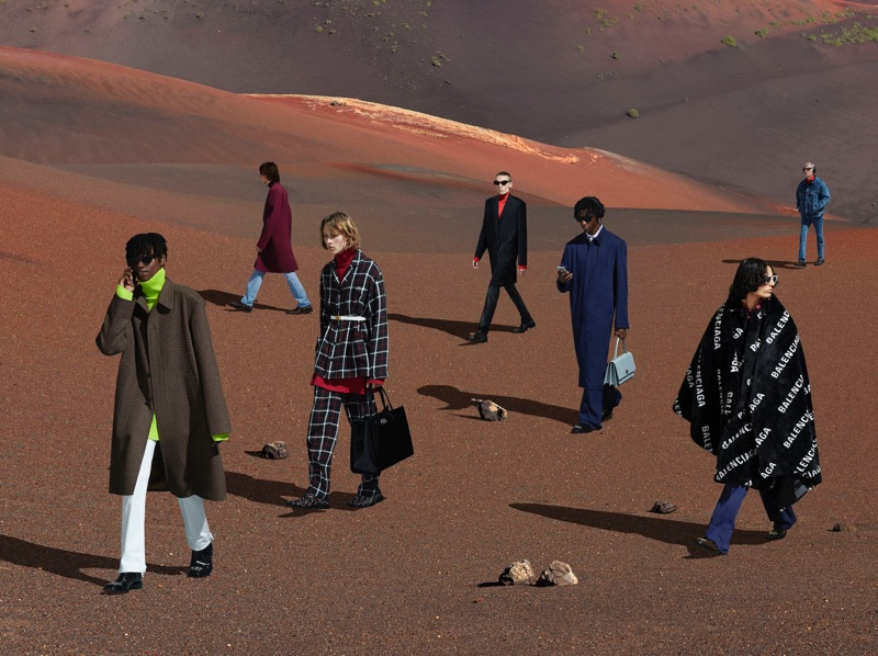 Taking to the desert, Balenciaga showcases its fall-winter 2019 collections.