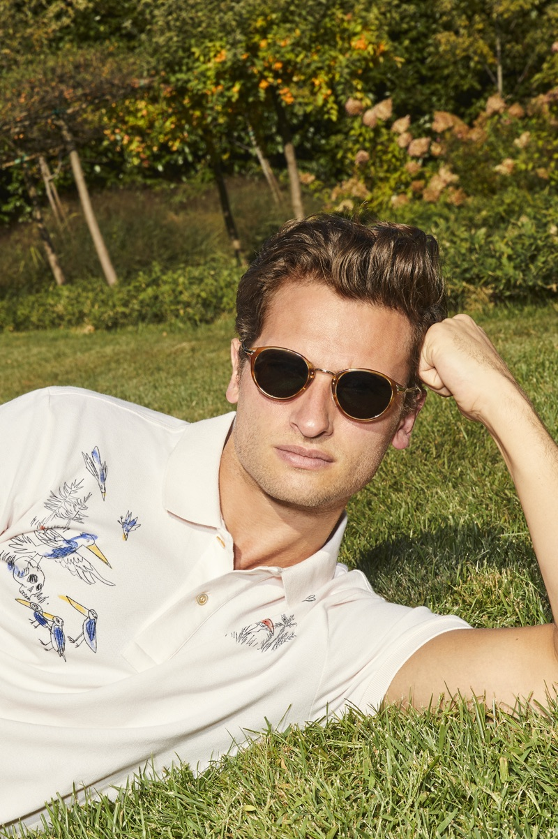 Relaxing, Tom Warren fronts Brooksfield's spring-summer 2019 outing.