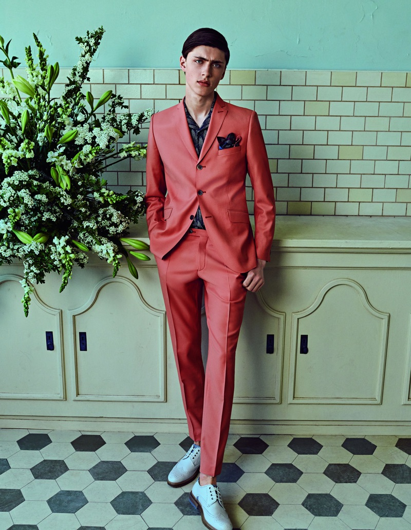 Dapper to say the least, Sep Graf appears in Club of Gents' spring-summer 2019 campaign.