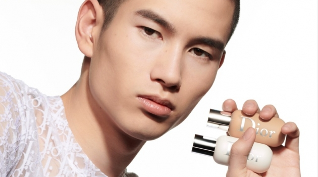 Kohei Takabatake wears Dior Backstage Face & Body Primer.