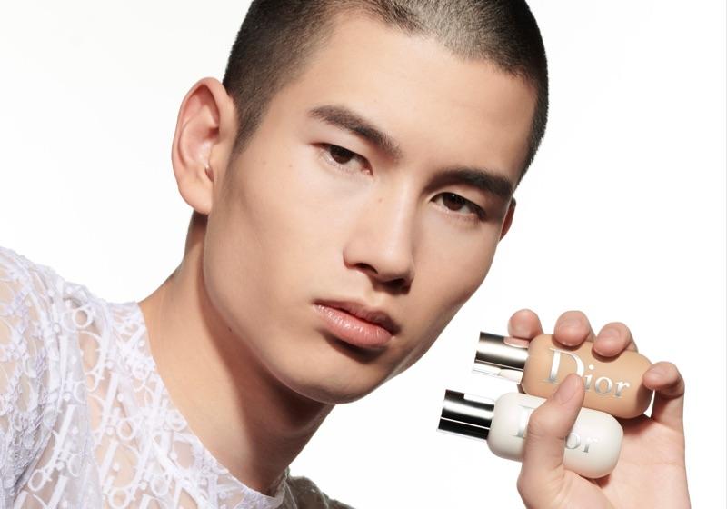 Kohei Takabatake wears Dior Backstage Face & Body Primer.