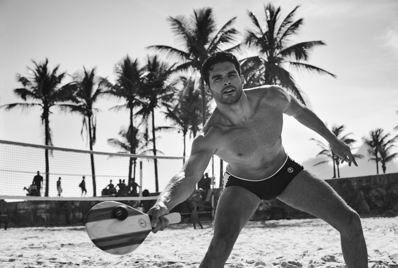 Playing volleyball, Pedro Aboud fronts a campaign for Frescobol Carioca.