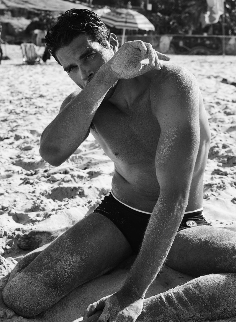 Appearing in a black and white image, Pedro Aboud stars in a campaign for Frescobol Carioca.