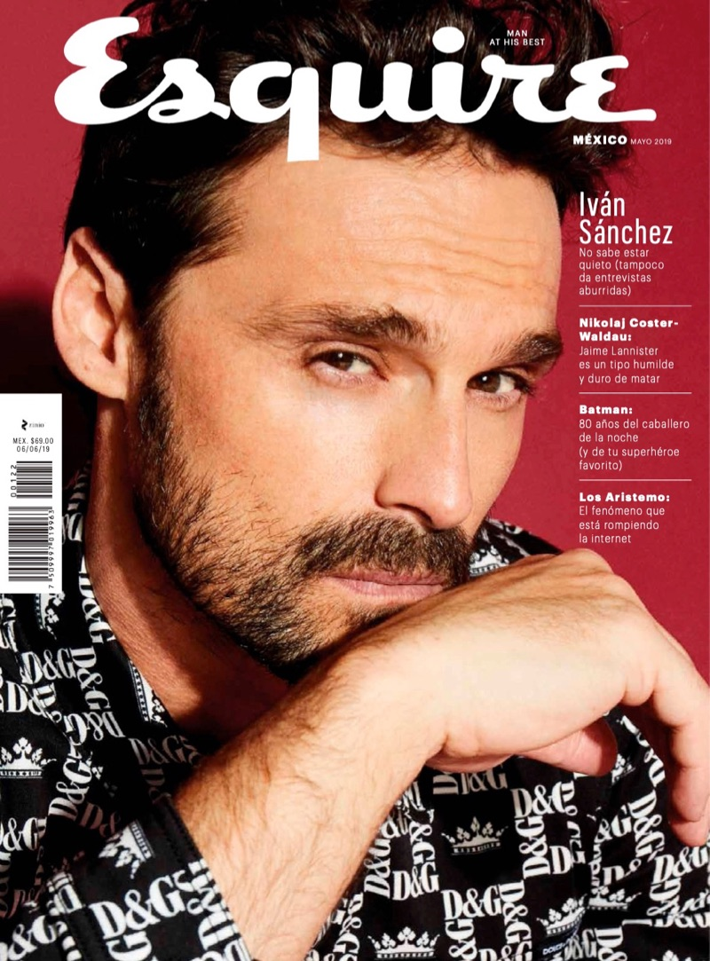 Iván Sánchez covers the May 2019 issue of Esquire México.