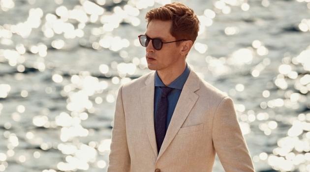 An elegant vision in linen, Mathias Lauridsen wears Mango.