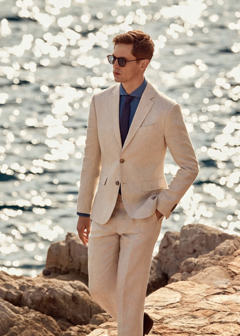 An elegant vision in linen, Mathias Lauridsen wears Mango.