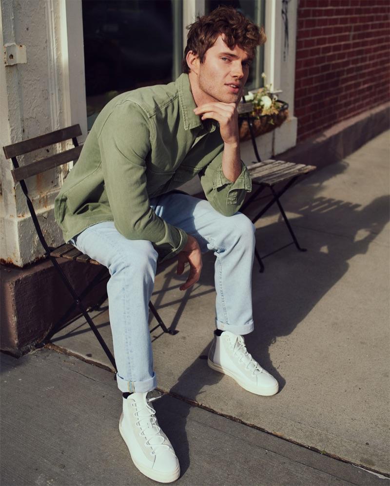 Luke Volker goes casual in a spring-summer 2019 look by Zara.