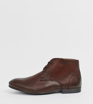ASOS DESIGN Wide Fit chukka boots in brown leather - Brown