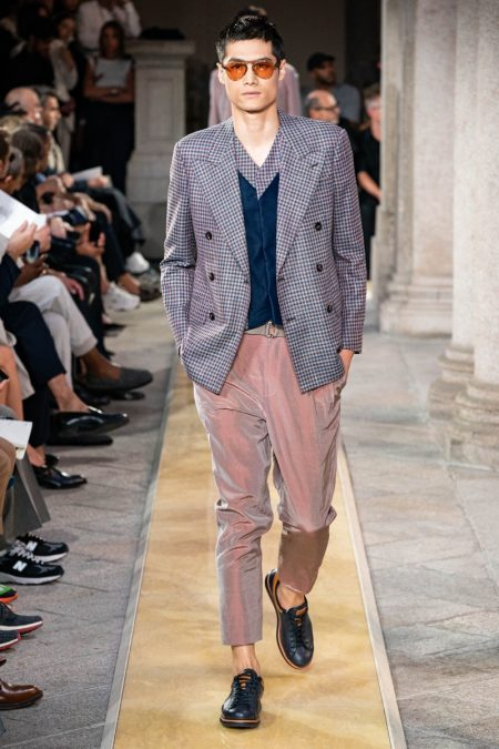 Giorgio Armani Breezes Into Season with Relaxed Shapes for Spring '20 Collection