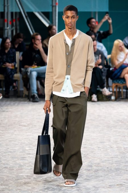 Hermès Embraces Relaxed Proportions for Spring '20 Collection