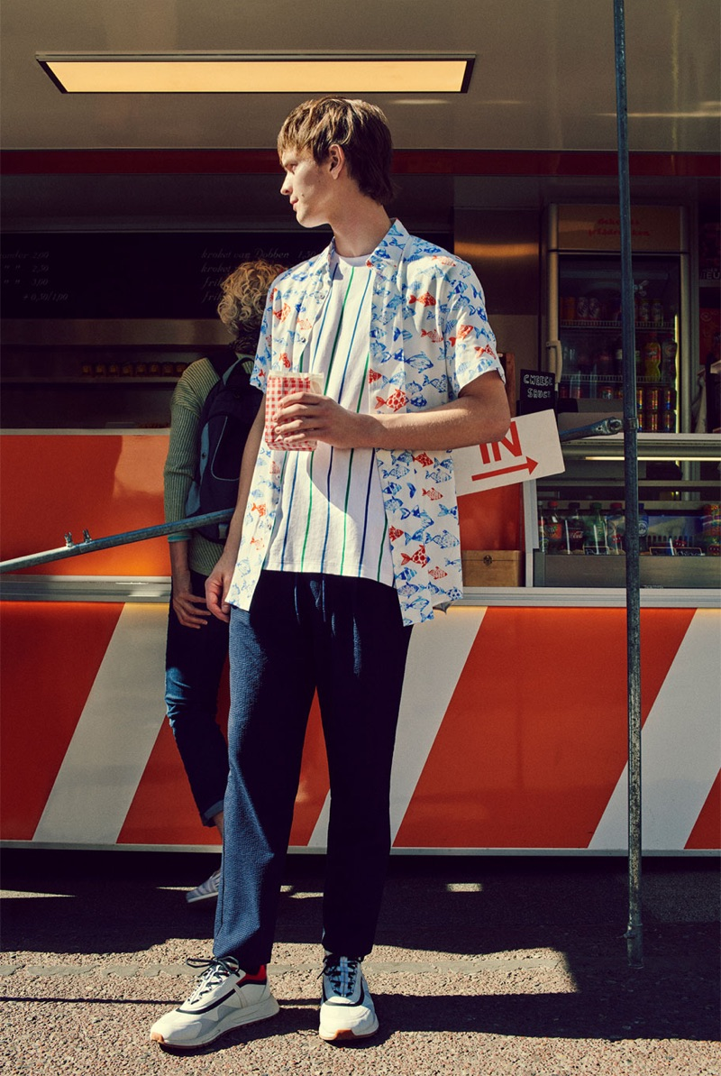 Remco Wuyts connects with Zara to showcase one of its summer looks.