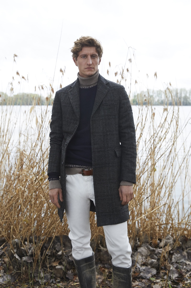 Dutch model Chris Beek inspires in a look from Brooksfield's fall-winter 2019 men's collection.