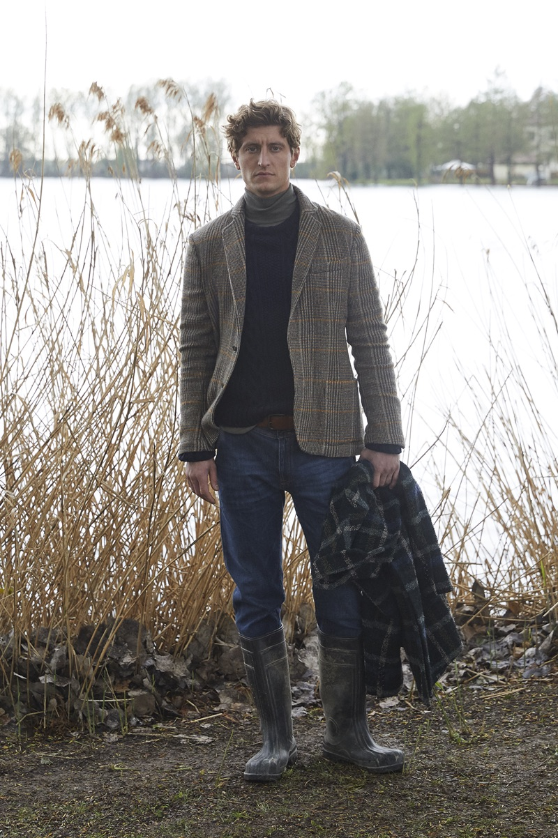 Brooksfield taps Chris Beek to showcase fashions from its fall-winter 2019 men's collection.