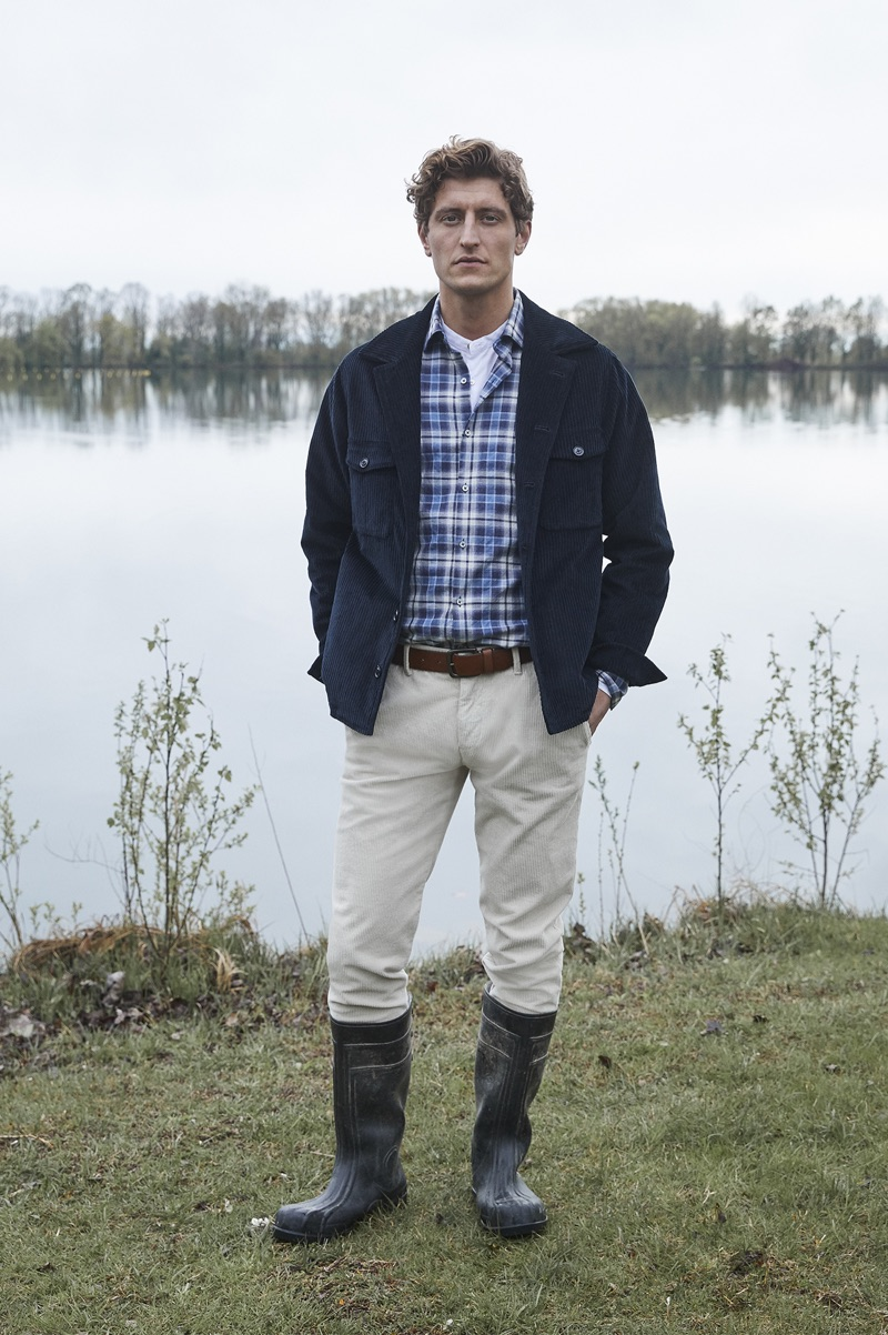 Channeling outdoors style, Chris Beek dons a look by Brooksfield.