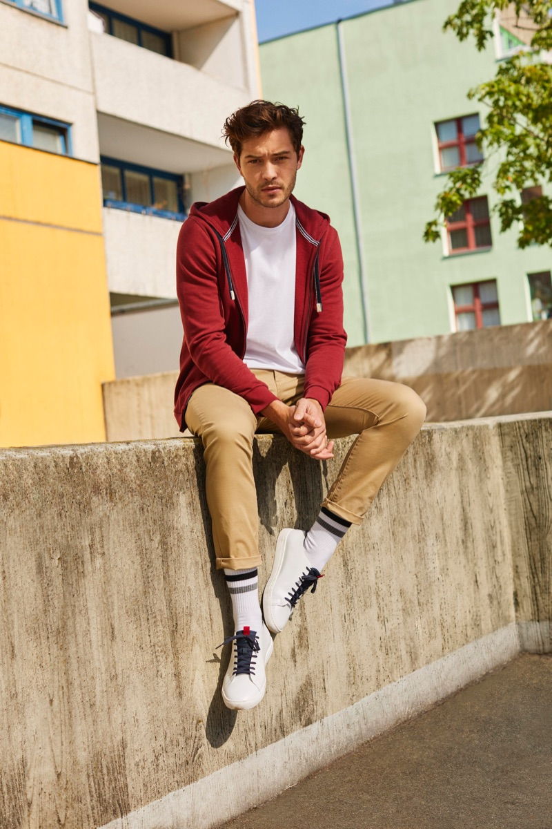 Making a case for sporty casual style, Francisco Lachowski models a fall look by Esprit.