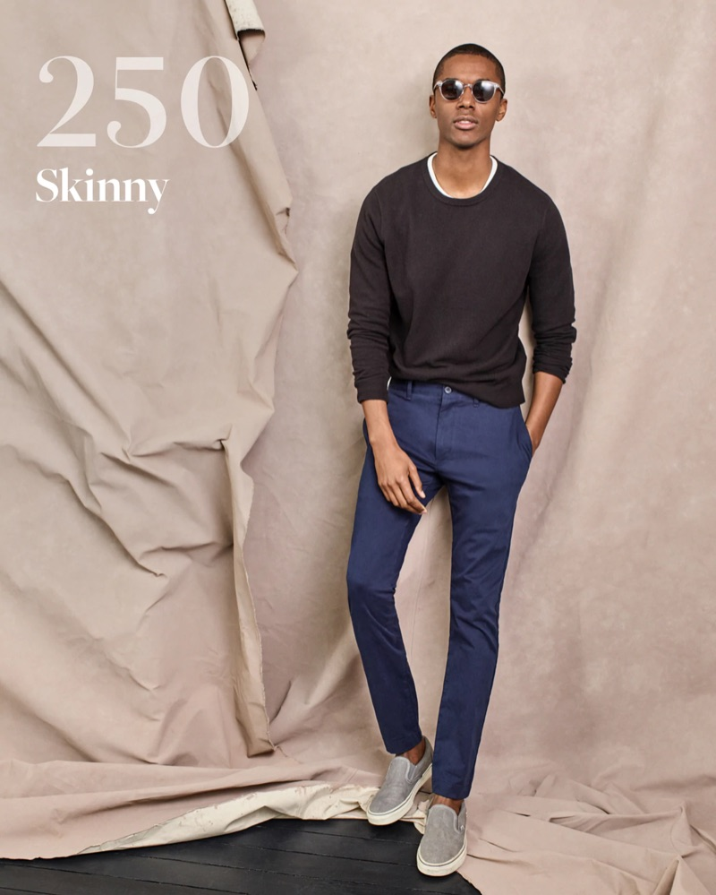 A cool vision, Claudio Monteiro dons J.Crew's 250 skinny chino pants.