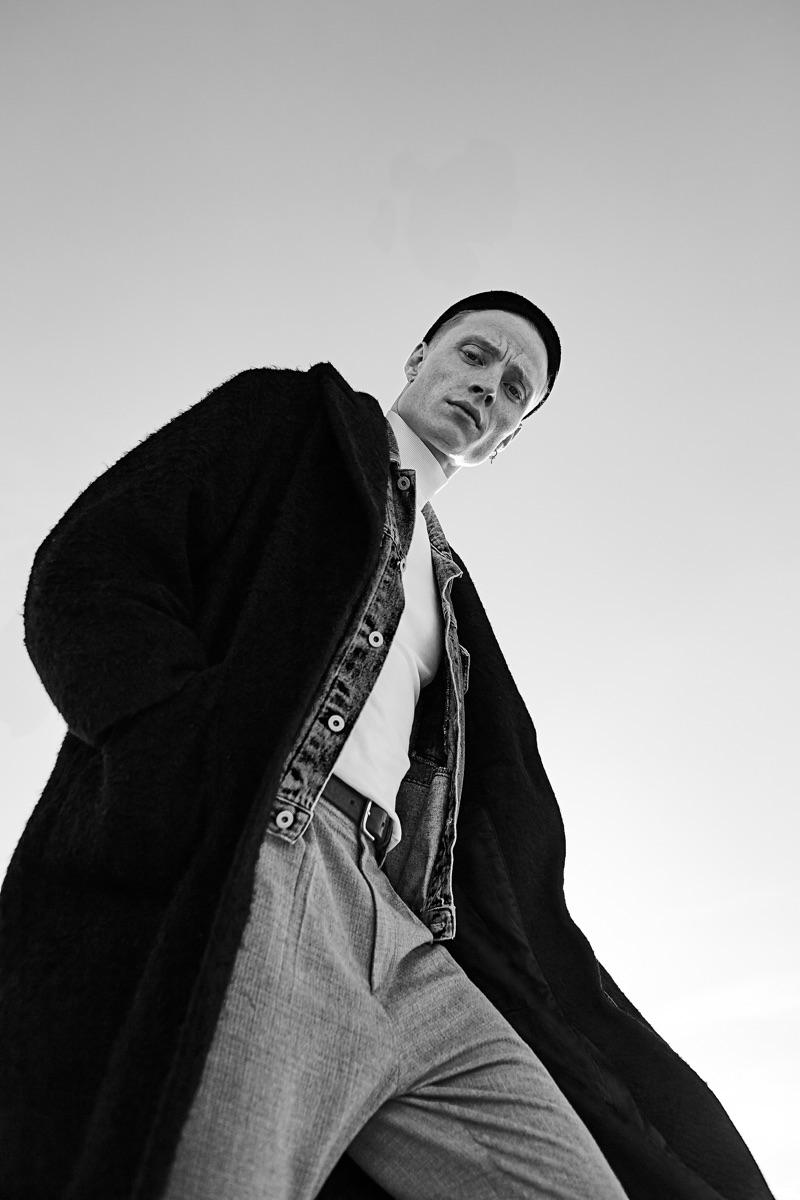 Jan Siegmund stars in a new photo series by photographer Laura Nenz.