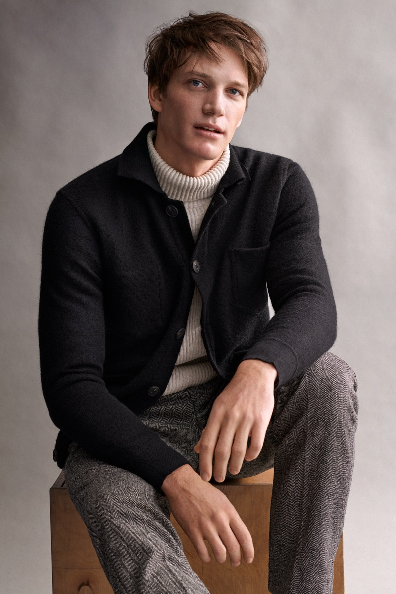 Florian Van Bael sports a chic fall-winter 2019 look from Marc O'Polo.