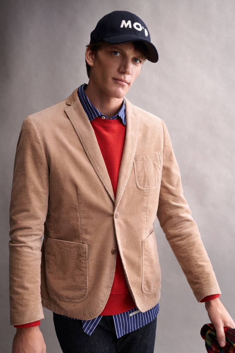 A smart vision, Florian Van Bael dons a corduroy blazer from Marc O'Polo.
