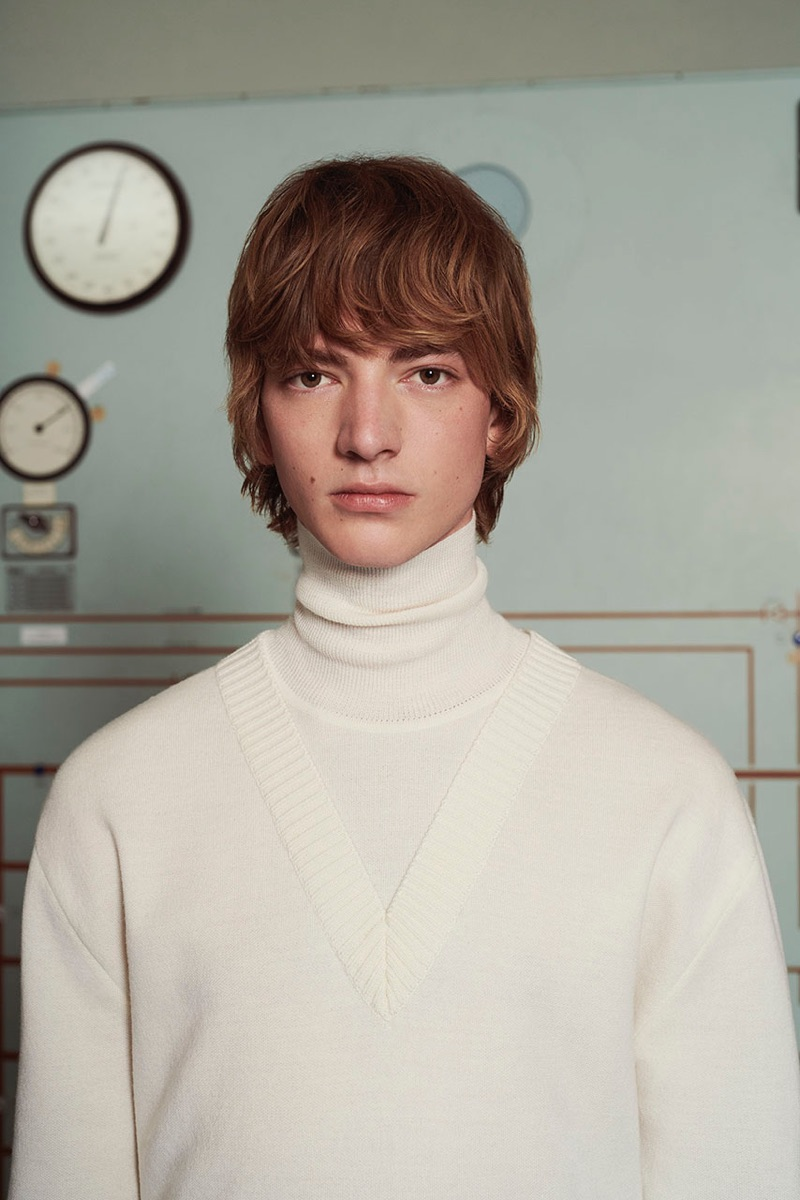 Bartolomé Chapel sports a sleek turtleneck from Solid Homme's fall-winter 2019 collection.