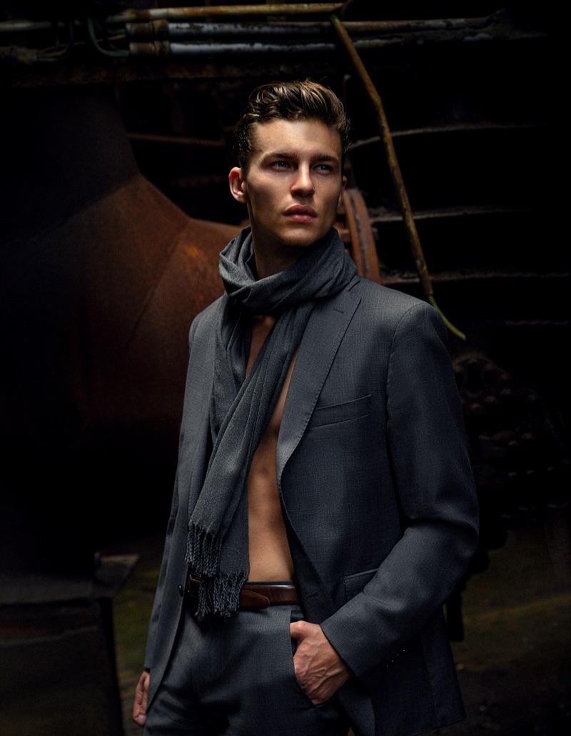 Yulef wears suit Kastell and wool scarf Eton.