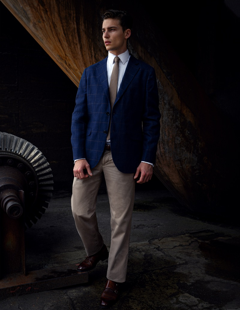 Yulef wears tie BOSS, shoes Brooks Brothers, blazer and chino pants Hackett London.