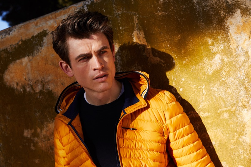 Sporting a yellow quilted jacket, Luc van Geffen fronts s.Oliver Black Label's fall-winter 2019 campaign.