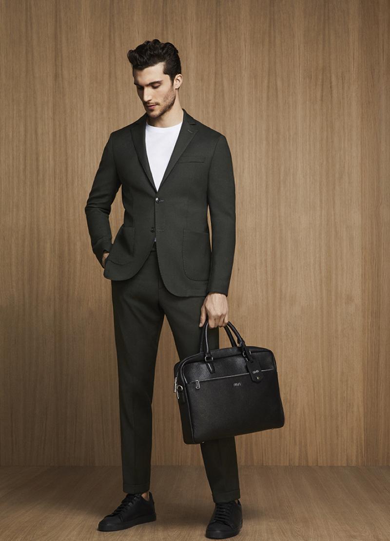 Federico Massaro dons a sleek suit by Liu Jo Uomo.