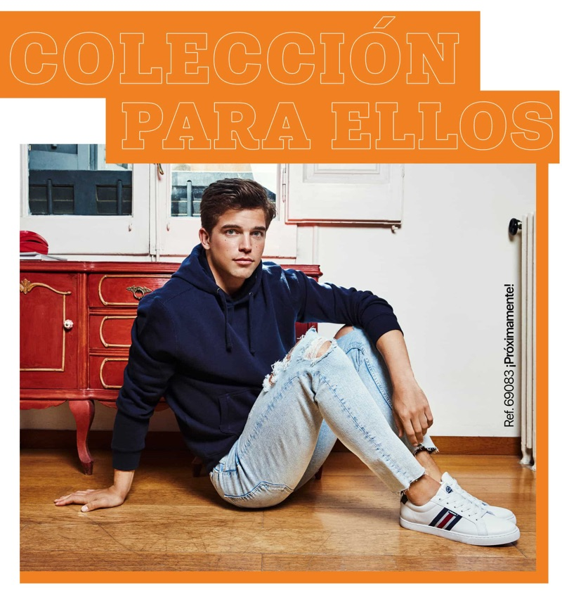 Model River Viiperi is front and center for Refresh Shoes' fall-winter 2019 campaign.
