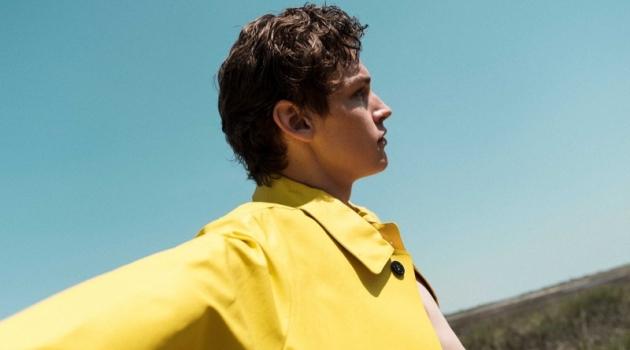 Ryan Gee Spends a Beach Day with Esquire España