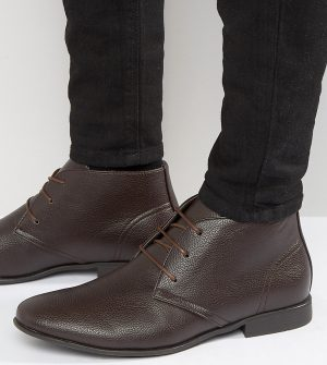 ASOS DESIGN Wide Fit Chukka Boots In Brown Faux Leather - Brown